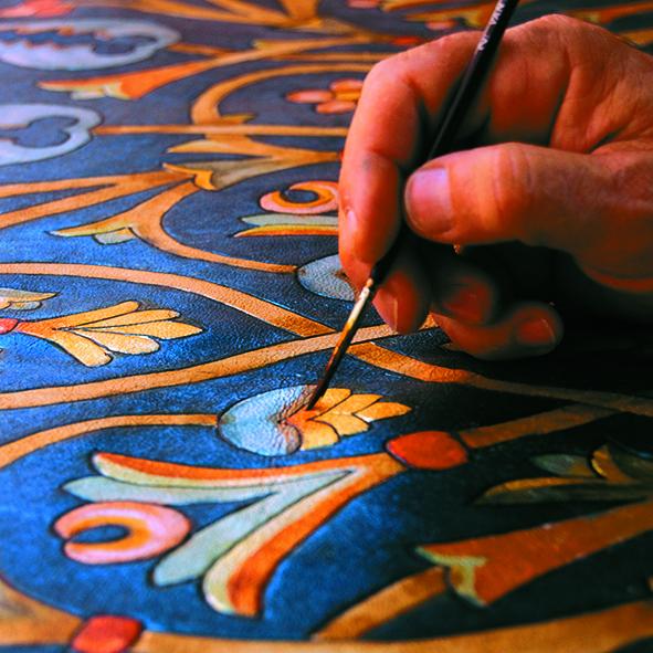 Pintando un guadamecí